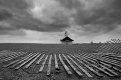 Leuty Lifeguard House in the Winter that Never Was (Christopher Brian's Photography) Tags: blackandwhite toronto thebeaches leutylifeguardstation canonefs1022 canoneos7d