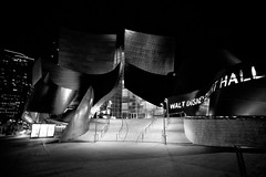 Urban Performance [Explored] (Edwin_Abedi) Tags: california street blackandwhite bw night mono losangeles lowlight disney dtla concerthall