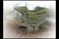 zwolle kunstwerk drijbersngl 02 (drijbersngl) (Klaas5) Tags: sculpture holland art netherlands concrete artwork outdoor kunst nederland sculptuur publicart paysbas beton niederlande kunstwerk hormigon 20thcenturyart picturebyklaasvermaas