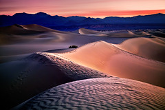 Mesquite Dune Sunrise (chris lazzery) Tags: california longexposure sunrise deathvalleynationalpark canonef1740mmf4l mesquitedunes 5dmarkii bw30nd