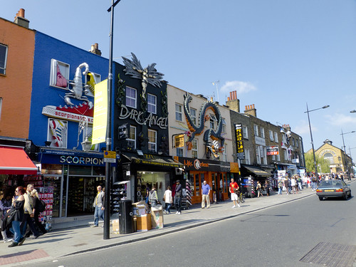 Negozi di Camden Town by graziano88, on Flickr