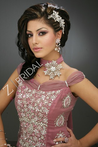 "Z Bridal Makeup 41 • <a style=""font-size:0.8em;"" href=""http://www.flickr.com/photos/94861042@N06/13904268273/"" target=""_blank"">View on Flickr</a>"