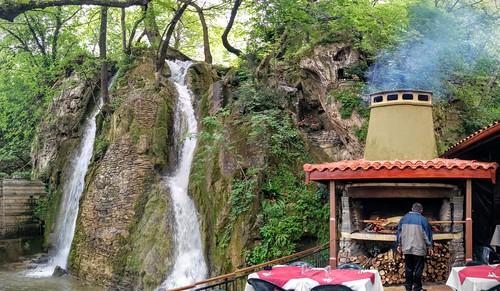 Ресторант Водопада, в близост до Бачковския манастир