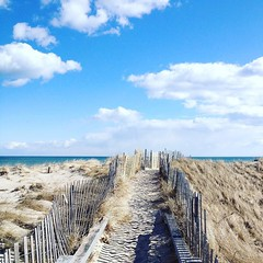 Instagram @paradoxdesignsnyc May 27, 2016 at 02:04PM (paradoxdesignsnyc) Tags: sunshine happy hamptons you weekend guys beachlife here we come ready everyone safe lifesabeach wishing feetinthesand instagram ifttt