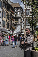 Accordéoniste (52weeks2016#22 - Sound) (ponzoñosa) Tags: france project sound romanian estrasburgo petit rumano acordeonista acordeón 52weeks