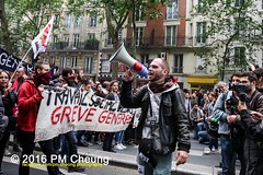 IManifestation nationale à Paris contre la Loi travail - 14.06.2016 - Paris - MG_4425 (PM Cheung) Tags: paris demo frankreich police demonstration polizei proteste manif manifestation bac sncf crs arbeitsmarktreform cgt 2016 csgas wasserwerfer labac krawalle tränengas ausschreitungen françoishollande auseinandersetzungen polizeipräfektur blockaden confédérationgénéraledutravail 14juin compagniesrépublicainesdesécurité pmcheung euro2016 gewerkschaftsprotest parisdebout blockupy facebookcompmcheungphotography esplanadeinvalides myriamelkhomri mengcheungpo loitravail nuitdebout mobilisationénorme manifestationnationaleàpariscontrelaloitravail lesboches soulevetoi manifestationnationaleàparis 14062016 landesweitegrosdemonstrationgegendiearbeitsmarktreform loitravail14062016 antagonistischenblock démosphère