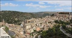 ibla sinuosa (imma.brunetti) Tags: panorama tetti case sicilia paesaggio collina ragusa ibla palazzi edifici campanili sinuosa