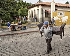 carry on (Pejasar) Tags: carry bench life street candid antigua guatemala