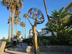"""Sea Breeze"", someone new in Laguna Beach (Bennilover) Tags: ocean new morning sculpture woman india art statue bronze spirit arts stainedglass graceful sculptor lagunabeach glasswork sukhdevdail"