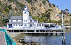 Santa Catalina Island, Ca. (RickWarrenPhotos) Tags: california cliff bay pier catalina americanflag pacificocean catalinaisland flagpole avalon santacatalinaisland countyoflosangeles avalonbay catalinayachtclub