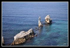 Terrasini (Luciano ROMEO) Tags: panorama mare barche sole palermo azzurro celeste scogli orizzonte porti faraglioni terrasini pescatori erosione marinerie