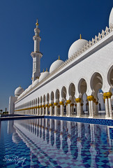 Sheikh Zayed Mosque (smrafiq) Tags: travel arch traditional uae middleeast arches mosque zayed sheikh unitedarabemirates smrafiq sheikhzayedmosque gettyimagesmiddleeast