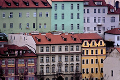 Prague en couleurs (Lucille-bs) Tags: architecture europe prague praha fentre couleur faade rpubliquetchque habitation vieilleville malastrana flickraward