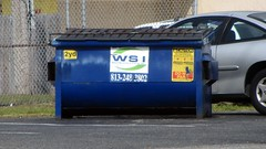 Progressive Waste Solutions (operated as WSI) - Front load dumpster (FormerWMDriver) Tags: trash dumpster truck garbage can bin collection container rubbish waste refuse sanitation wsi wasteservicesinc progressivewastesolutions wasteservicesofflorida