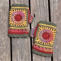 "Mittens ""Wheel of Fortune"" (Kiwi Little Things) Tags: crochet mittens grannysquare wristwarmer"
