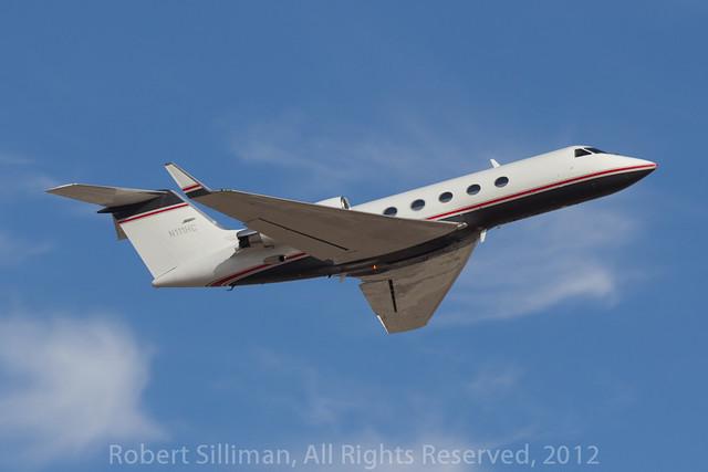Gulfstream departing