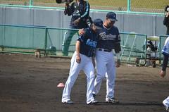 DSC_0663 (mechiko) Tags: 横浜ベイスターズ 120212 渡辺直人 横浜denaベイスターズ 2012春季キャンプ サラサー