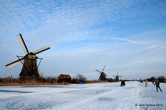 Paint the sky... (janateneva) Tags: iceskating nederland kinderdijk niederlande schaatsen d300 winterinholland thenederlands janchen dutchiceskating