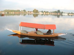 Small Boats in Nagin Lake (worldofmusica) Tags: kashmir srinagar srinagarkashmir jammukashmir naginlake kashmirindia kashmirtourism flickrforkashmir naginlakesrinagar naginlakeboats kashmirsightseeing kashmirtouristspots