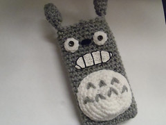 Totoro iphone case (ruali) Tags: camera art bag easter mom cozy coin acrylic ipod phone handmade coworker crochet artesanato knit craft case teacher yarn cotton purse gift totoro etsy aline iphone oxente ruali