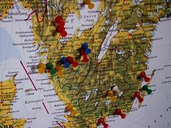 Visitors (Mamluke) Tags: wisconsin sweden stockholm map pins visitors scandinavia thumbtacks tacks carte pinned tacked mamluke stockholmwisconsin