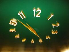 Tempo / Time (Jânio Kléo #8) Tags: relógio números teto ponteiros