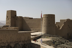 Fort view with local (Scalino) Tags: heritage desert fort middleeast east arab middle peninsula oman bahla yallah sultanate