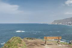 Infinito (nievestaboada1) Tags: color luz relax mar banco galicia cielo infinito tierra acantilados loiba