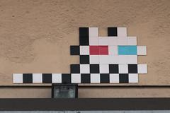 Clermont-Ferrand Sud (CLR_13) (Meteorry) Tags: street france art wall 3d europe spaceinvader spaceinvaders clr tiles april invader runner pixels rue mur invasion auvergne clermont puydedme clermontferrand artderue mosaques 2016 carrelage carreaux meteorry arturbaine clr13 invaderwashere auvergnerhnealpes