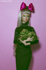 Poppy White Widow (rubenignaciophotos) Tags: white art fashion silver hair toys oak weed doll dolls photoshoot poppy widow fr groovy royalty parker galore marihuana integrity repaint fr2 rerroot