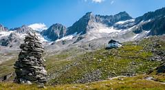 Zillertal_063 Plauener Htte, Zillergrndl (wenzelfickert) Tags: sky mountains landscape austria tirol sterreich hiking cottage htte himmel lodge berge trail wandern zillertal wanderweg zillertaleralpen zillergrndl bergmassiv plauenerhtte umgmayrhofen