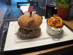 Burger (@nickyinhawaii) Tags: usa america hawaii restaurant dish burger diner maui ring crispy hamburger meal onion fried sides kahului nickyinhawaii