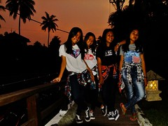 4 Young Fashionistas (yusuf ks) Tags: portrait smile indonesia happy happiness teen abg sheraton bahagia lombok beautifulgirls teenage nightportrait fashionistas younggirls teenagegirls happygirls senggigi remaja cewek cewekcantik cewekcakep beautifulyounggirls cewekabg 4younggirls cewekremaja happyyounggirls 4youngfashionistas youngfashionistas