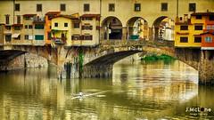 Il famoso ponte vecchio. (Jean McLane) Tags: urban italy monument puente florence italia monumento ponte pont firenze reflets italie reflejos reflects