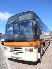 Newton's H155 DJU (welsh bus 16) Tags: volvo barry paramount newtons 3500 plaxton b10m scotlandandbates h155dju