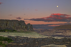 Columbia Hills West of Horsethief Lake (jim.choate59) Tags: sunset moon canyon fullmoon bluehour columbiarivergorge jchoate