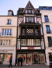 Dieppe, Seine-Maritime - France (Mic V.) Tags: sea france building shop seine architecture de town grande seaside  magasin timber side front number maritime frame normandie framing dieppe maison rue normandy ville shopfront bois 43 haute vitrine esprit 76 colombage pans colombages timberframe 76200