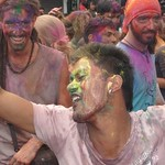 "Holi <a style=""margin-left:10px; font-size:0.8em;"" href=""http://www.flickr.com/photos/14315427@N00/6840080580/"" target=""_blank"">@flickr</a>"