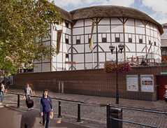 "The Globe Theatre • <a style=""font-size:0.8em;"" href=""http://www.flickr.com/photos/53908815@N02/6843175304/"" target=""_blank"">View on Flickr</a>"