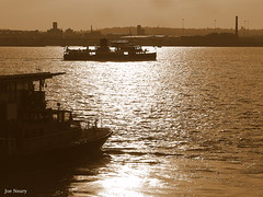 liverpool evening (exacta2a) Tags: boats sunsets ferries contrejoure liverpoolmerseyside