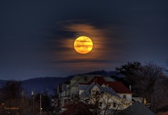 Full Hunger Moon (Terry Aldhizer) Tags: moon night virginia time full hunger roanoke terry february rise hdr 2012 aldhizer terryaldhizercom
