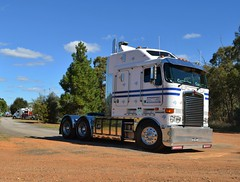 Frank Gattuso  K108 (quarterdeck888) Tags: nikon flickr tipper transport frosty trucks kenworth haulage quarterdeck newellhighway gattuso highwayphotos hehirs t909 k108 d5100 jerilderietrucks oaklandstruckshow
