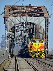 EH 542 (vsoe) Tags: eh train germany deutschland eisenbahn railway zug nrw duisburg bahn ruhrgebiet nordrheinwestfalen ruhrpott güterzug diesellok rheinbrücke vossloh g1206 eisenbahnhäfen rheinbrigde