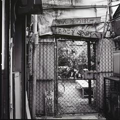 (ari@098) Tags: street blackandwhite monochrome mediumformat kodak 400tx d76 hasselblad okinawa naha 120mm planar 500cm 66 selfdevelopment planart dk50