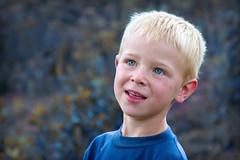 Boys are blue (Edi Eco) Tags: blue boy brazil portrait azul brasil canon children retrato garoto olhos 7d blonde criança menino riograndedosul 28135mm azuis loiro barãodecotegipe