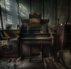 The Organist :  ( explore ) (andre govia.) Tags: music house rot abandoned photo photos decay andre creepy organ manor left govia