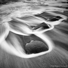 Ethereal nature (Descliks2bretagne PHOTOGRAPHIE) Tags: ocean longexposure sea mer seascape france nature rock canon french blackwhite brittany noiretblanc wave bretagne breizh filter paysage vague morbihan hitech rocher fil filtre canonefs1022mmf3545usm erdeven poselongue nd12 450d kerhilio descliks2bretagne ledilhuitnicolas