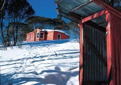 Valentine Hut and dunny, Kosciuszko National Park, NSW (Australian Alps) Tags: snow building landscape australia hut newsouthwales kosciuszkonationalpark parksaustralia australianalps valentinehut