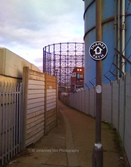 Beautiful North Greenwich (john_the_walker) Tags: england london industry thames nokia britain path walk jubilee united greenwich great kingdom promenade londres angleterre johannes industrie greenway themse wanderung tamise voit grosbritannien