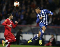 Arsenal could rival Real Madrid C.F. for the signing of Porto's Danilo da Silva as they seek a replacement for Bacary Sagna http://bit.ly/1mjQDVi #AFC #RealMadrid (Photo: Action Images) (footballdirectnews) Tags: news football soccer premier league breaking